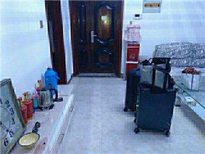 扬坤高中对面门面楼上电梯3室 2厅 1卫700元/月