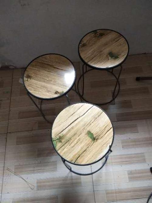桌子,凳子50元一套,格力空调900元,全新方桌子85元