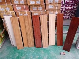 壁纸各种颜色花型应有尽有,10元一支,二手木地板收售