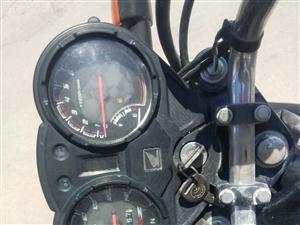 出售一��一家用的摩托�,跑了�⒔��扇f公里,�I的�r候8000,�F在不干了活了,�I了,2600左右,�r�X...