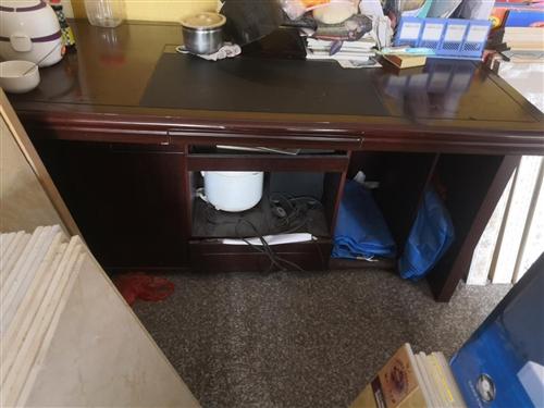閑置辦公桌,八成新沒怎么用,要的可同城看