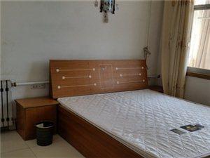 东义小区(老工商小区附近)4室 2厅 2卫1200元/月