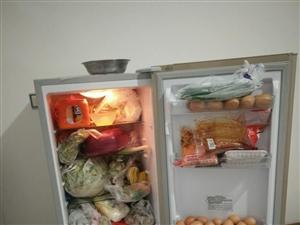 因工作去外地现有冰箱一台急需出售