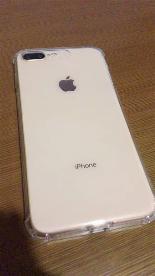 苹果8p  95新 便宜出售 价格好商量