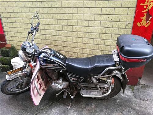 太子摩托车,2015年的车,有牌有照手续齐全,有意者来电了解,价格面议。