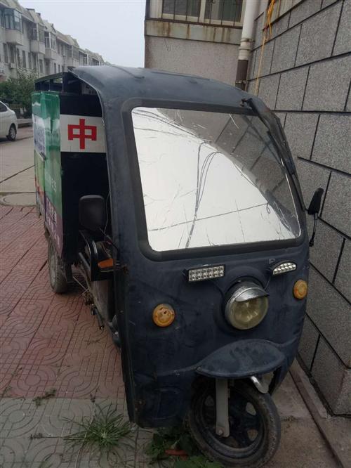 出售快遞三輪車,到手就可以騎,沒有任何毛病,有意者電聯。