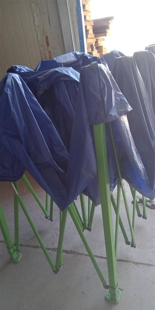 本人有一个九成新的大伞,3乘以4.5米,只使用了一次,便宜处理,有需要的朋友联系我189937375...