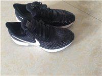 耐克正品运动鞋,36码,专柜价799,穿过两次(运动会开幕式、闭幕式),9.5成新!