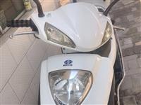 本人因買下電動車不想騎出售九成新的踏板摩托,跑了4000多,有手續,要的來電15536484441非...