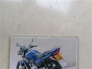 出售二手鈴木牌兩輪摩托車,手續齊全,共行駛了兩萬公里,七成新