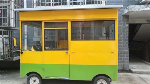 流动餐车出售,半年前买的   里面全新,因家里有事一直没有经营!可以经营早餐,晚餐,快餐等!非诚勿扰