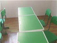 9成新单人学生桌椅组合套,以及其它相关培训班设备