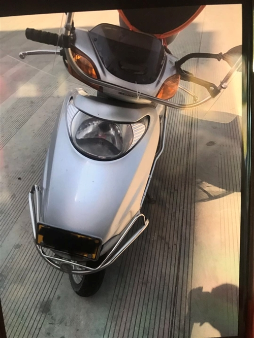 經常在外地工作,家里閑置踏板摩托車出售,平時一年回來呆不了幾天,放著太浪費了。五羊本田小公主,才2萬...