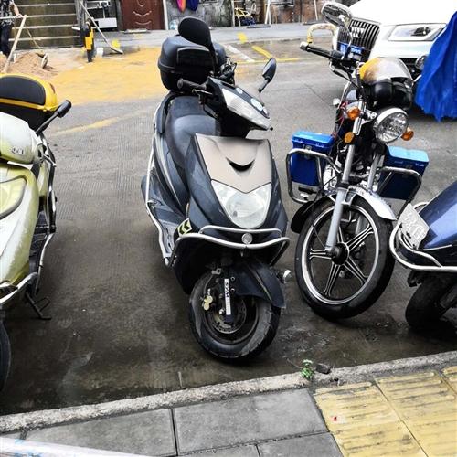 自用摩托车手续齐全,厦门牌交易须过户。
