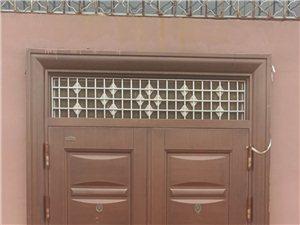 品牌:年年红电泳门,宽1.65米,高2.56米,用不着了,?#22270;?#20986;售,电话:13955739995