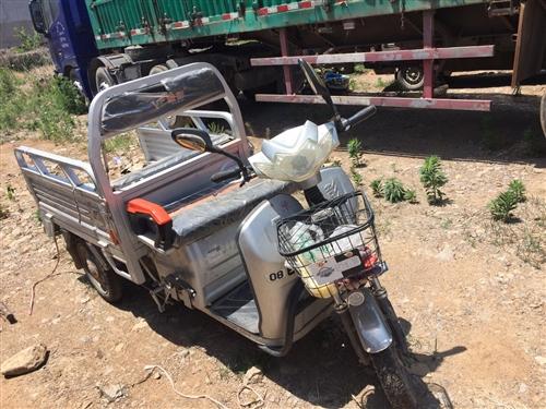 收购所有各种型号的报废车辆、包括电动车,摩托车