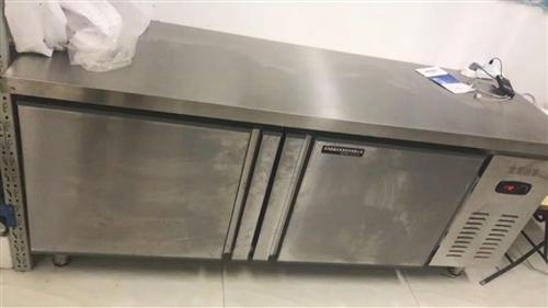 冷藏冷凍工作臺,150*80*80,1600元全新買來使用半年多。功能完好正常,無毛病。
