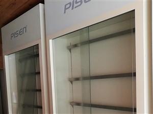 耳麥、充電線等展示柜高2.3米,寬1.1米2臺,100元一臺 九成新 完好無損的 可看了再購買...