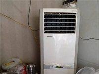 格力3P大空调,使用中。店里面积小换挂机。乌龟碑店里可看空调,机子没问题。