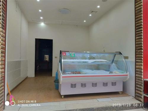 冰柜今年剛購入,自用一個多月,長1.8米,寬1米,高1.2米,全銅管,幾乎全新。