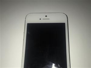 本人有一台二手苹果5S,由于ID密码完了所以低价出售