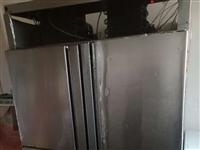 出售饭店用的四开门冰箱一台,价格面议!!!