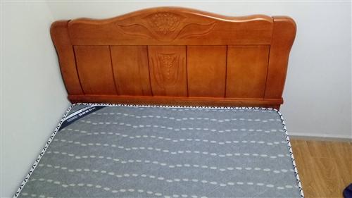 床是19年2月份買的,6個月左右。就過年那段時間睡過。后面都沒睡過了。幾乎全新,買來的時候花了130...