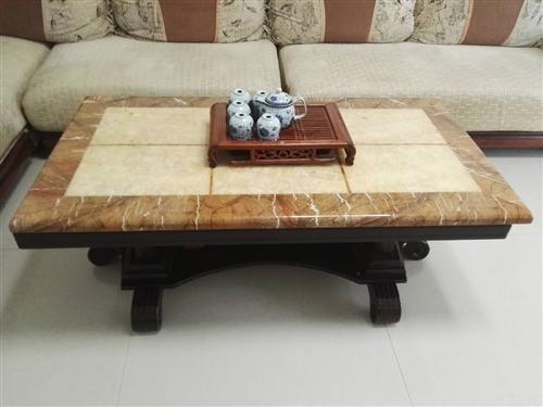 沙發茶幾轉讓,沙發4米,布藝,實木框架,海綿超棒!400元。大理石茶幾厚實,80元。電視柜贈送。