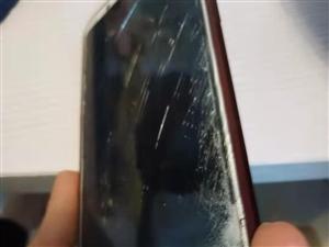 梦天丽化妆城老板打砸员工手机