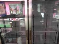 因本人要带小孩,无心打理生意,忍痛低价出售商用冷柜一台,九成新低价1800元,原价2700元!