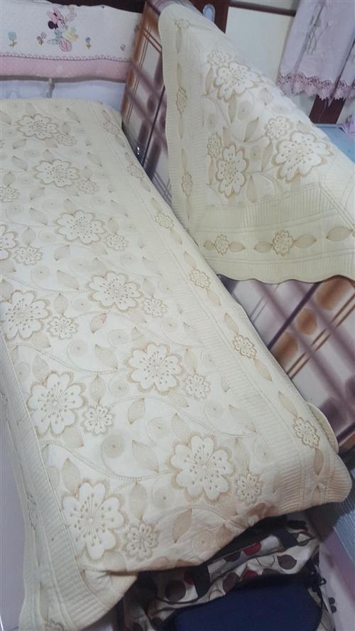 布艺沙发床,折叠床,咖啡色格子,展开是床宽1米5,长1米8,折叠是沙发。