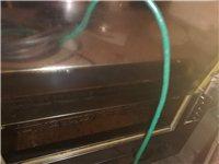三相電用烤雞架烤箱兩臺,帶架子,排風罩子風機一套。全部九成新。只賣五千元,帶技術的可另議價。