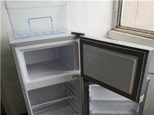 �W克斯小冰箱116L�e置出售