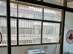 巴黎大廈旁南水綜合樓3室 2廳 2衛1300元/月