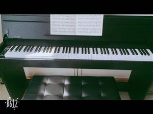 本人有2架电钢琴,9成新,放着浪费,现出售一架。有意者请联系我!