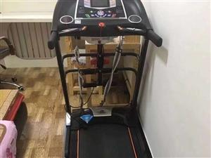 出售一台自用跑步机,价格面议。联系电话:13892764398