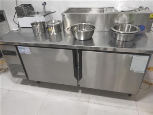 180*80的操作台冷藏冰箱,刚买的,用了一次,很新,质保一年,面交,1200元,或者换一个冷冻冰箱...