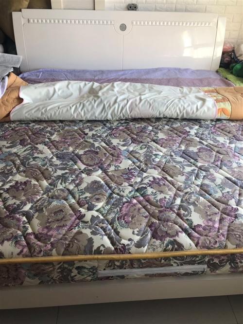 全友床 叶宝床垫的1.8*2米