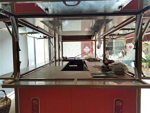 2019年2月份移动餐车长4.2米 宽2米 空间大可做任何小吃生意有意联系18755831833忽扰...