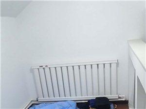 东城国际2室 2厅 1卫350元/月
