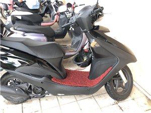 新大洲本田踏板摩托�,因想�Q大排量故出售。�子�]有任何���},排量125,�市萝�230公里。。手�m�R全...