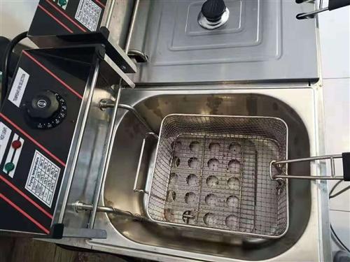 电炸锅100%质量没问题可以保证,带转换插头,东西在澳门威尼斯人赌场平台街上,有需要的打电话联系我133795808...