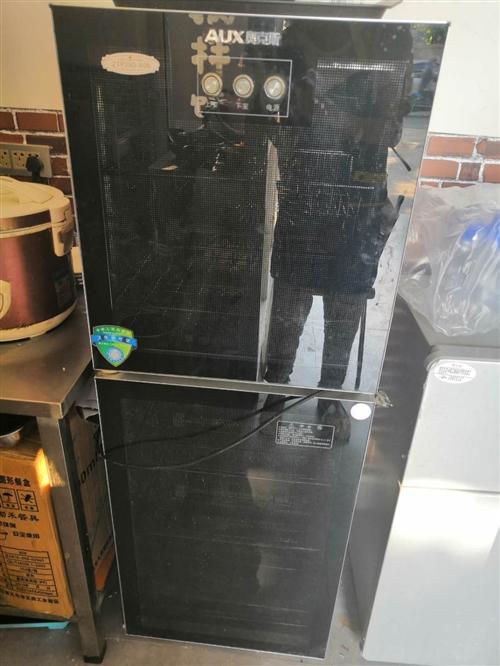 消毒柜,店里用不到了,有需要的來拉