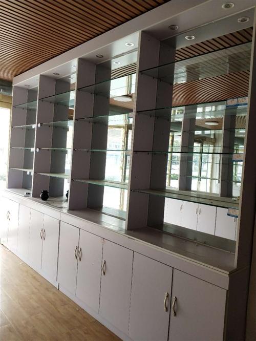 样品展示柜,做好用了2个月,因急用钱便宜出售,2组柜子看上的3000拉走