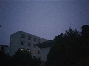 新一中校园停电