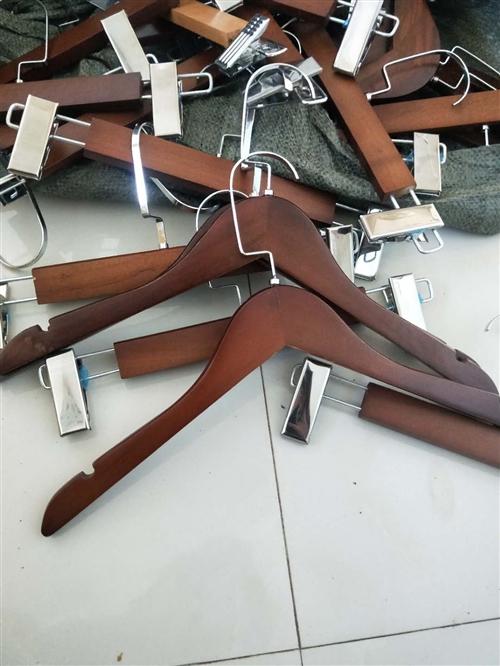 木質掛衣架   褲夾 ,  適合開店用  或家里用 !