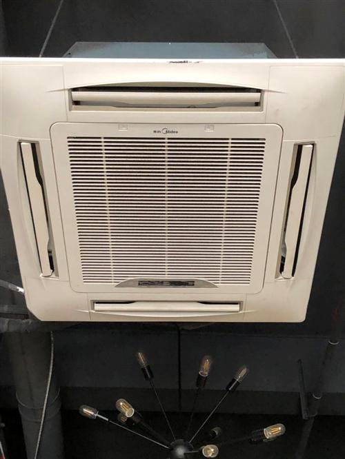 九成新大三匹 美的變頻中央空調  有兩臺