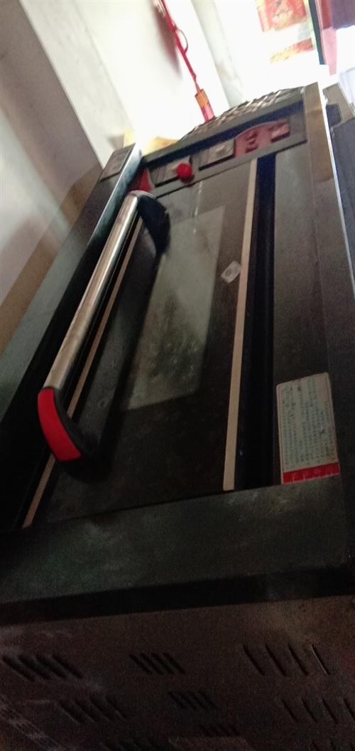 粵豐牌烤箱,長1.37*寬92*高62.5,可自動定時,電氣兩用,單層烤箱,內含兩個托盤,一個小鏟子...