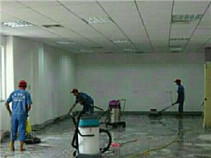 家政服务保洁,搬家,摖玻璃,打扫新房,旧房。