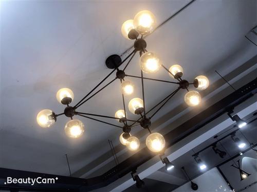 北歐風吊燈,8成新,低價轉,3個,可單賣